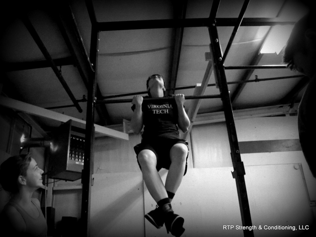 Megan Chest to Bar Pullup